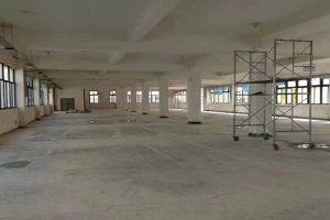 赵巷盈港东路附近7000平厂房出租,原房东,形象好,靠近地铁站